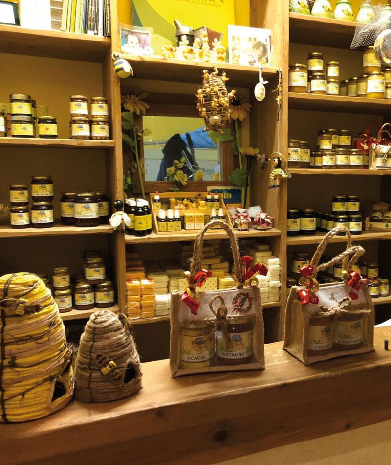 prodotti presenti presso lo spaccio di apicoltura burato